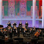 اجرای ارکستر فرهنگ و هنر با  محمد معتمدی برج میلاد